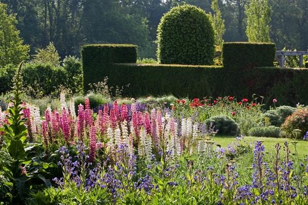 Waterperry Gardens near Oxford
